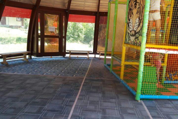 детская площадка внутри