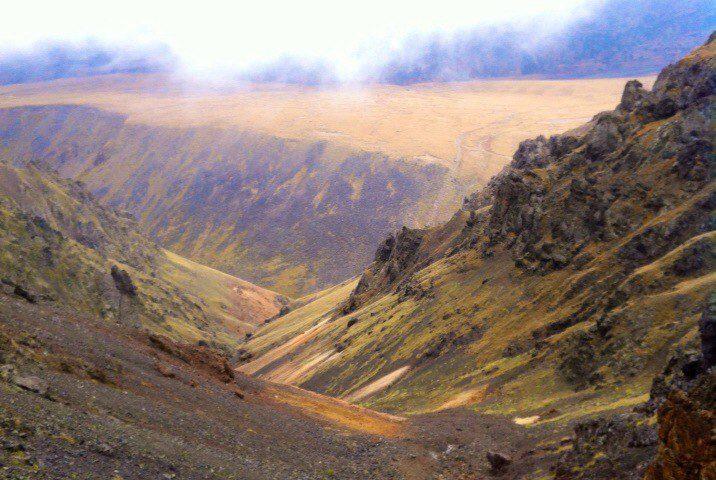 Вид из кулуара на плато Ирахиксырт