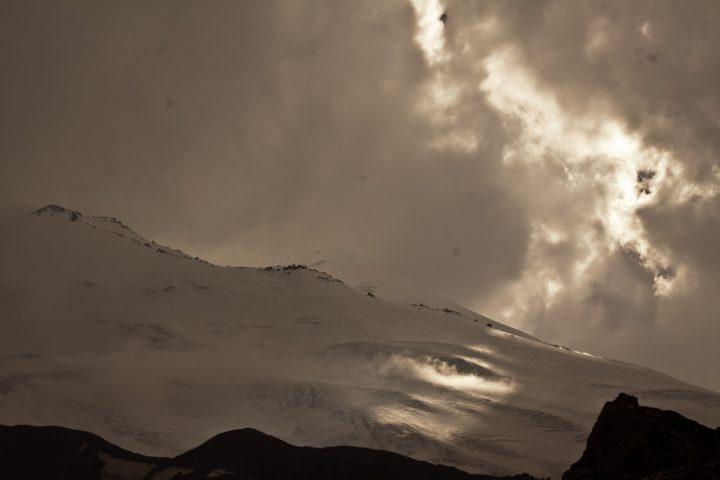 Вид на Эльбрус с маршрута