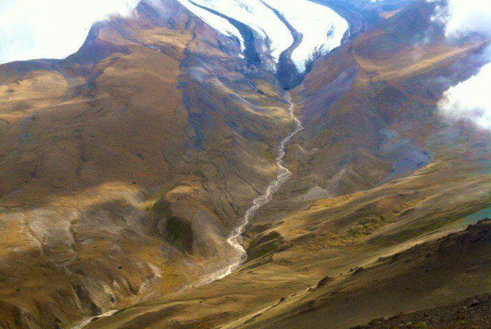 Ледник Уллучиран вид с хребта