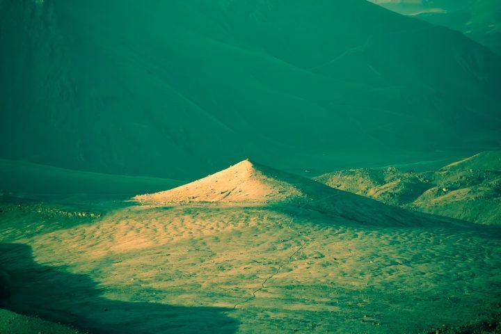 Лунная поляна и Пирамида