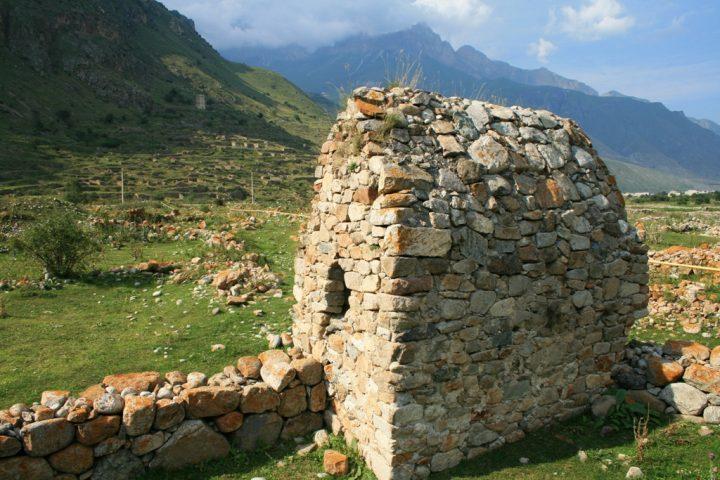 Склепы в Верхней Балкарии