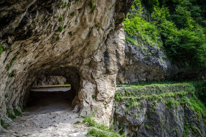 Туннель по дороге в Верхнюю Балкарию