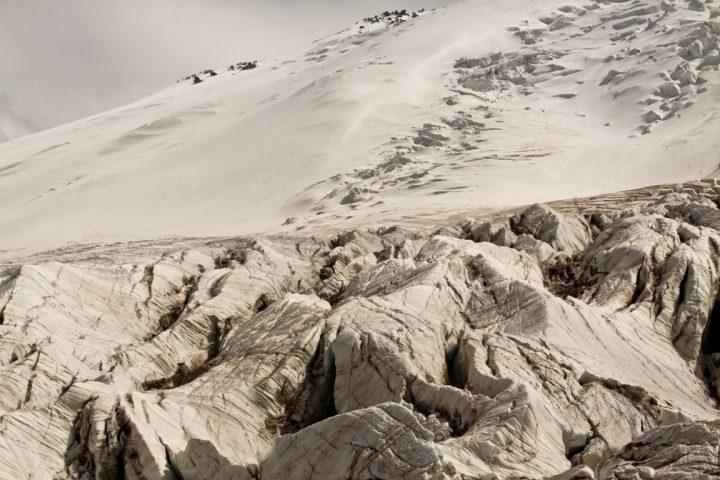 ледники Эльбруса - вид с морены