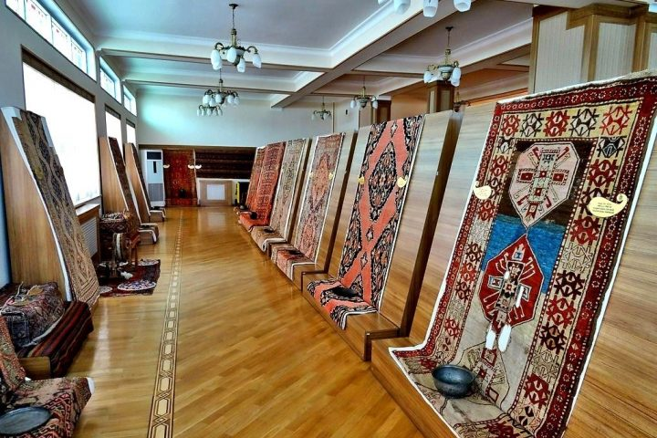 0200_Nakhchivan_Museum_of_Carpets_Нахичевань_Музей_ковров